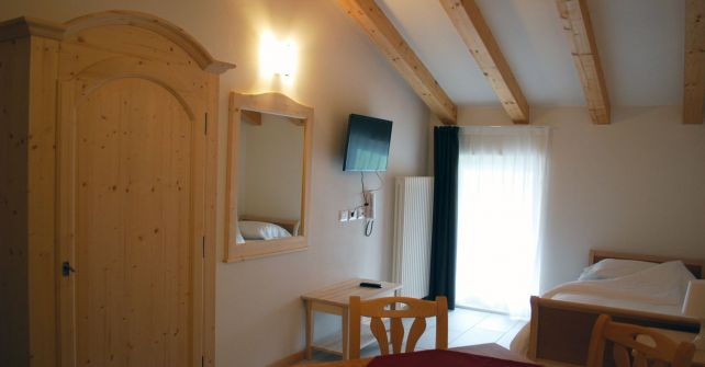 Double Bedroom 3 beds with kitchenette